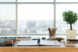 Clear the clutter! Tips to organize your desk